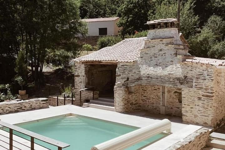 Serene Holiday Home in Le Collet De Dèze with Pool