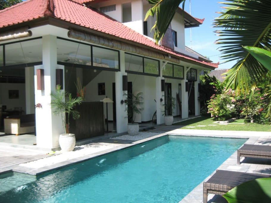 Villa Surga – Villa Near the Beach