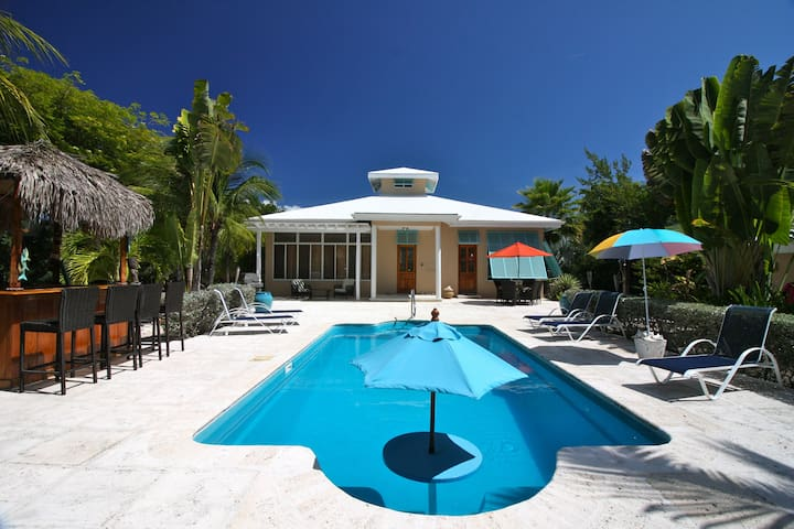 ***Kick Back and Relax Tiki Style!*** - Providenciales, TKCA 1ZZ, Turks and Caicos Islands - Villa
