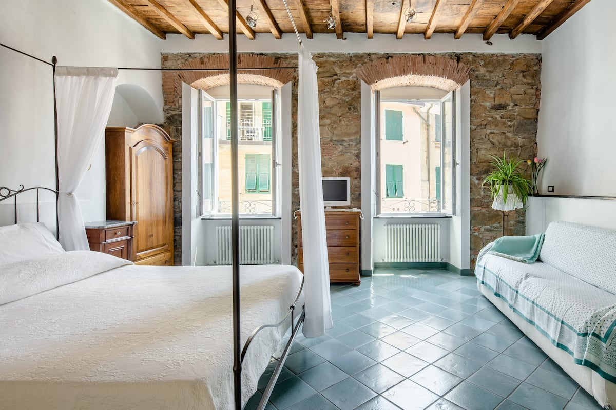 AlmaVenus Romantic Studio Suite in Historic House