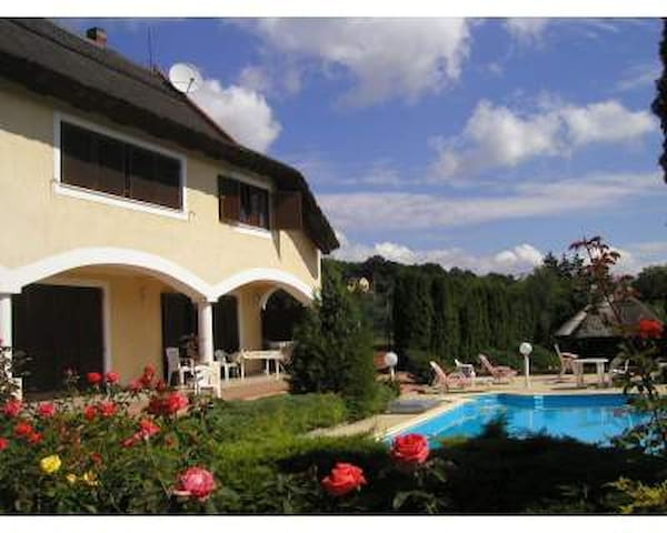 Apartment in Villa with pool,tennis - Révfülöp - Daire