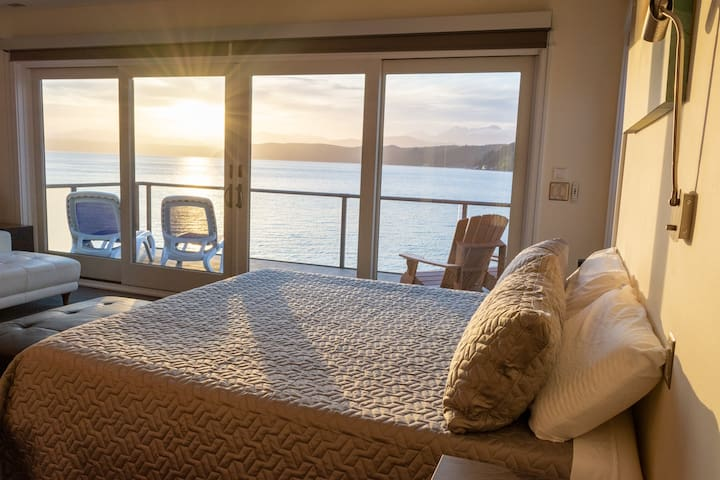 Luxury Lookout Hood Canal Vacation Rental (#1)