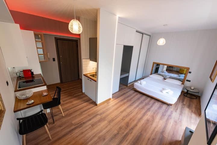 Anazoe apartment / Central Square