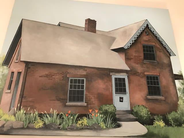 Beacon, NY 1850's Brick Farmhouse Sleeps 8