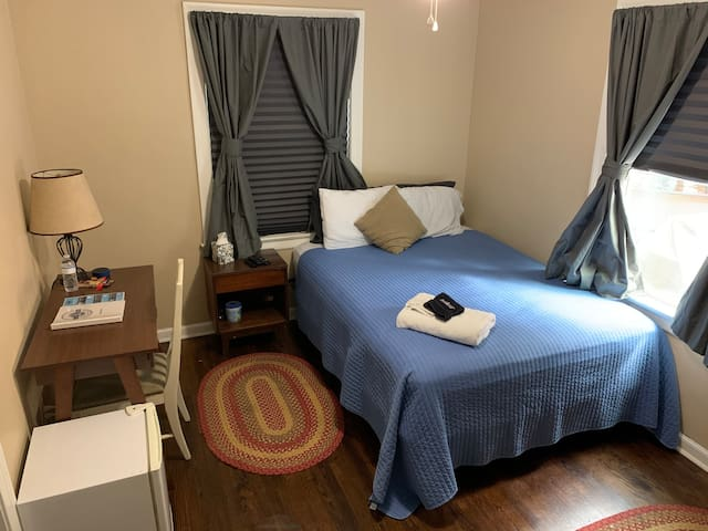 Private Smart Room in Historic Murray Hill JAX