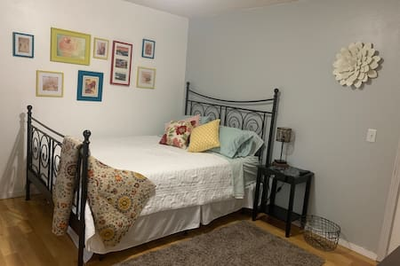 Applegate B&B 3