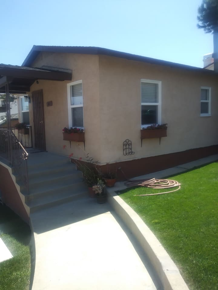 Charming 1BR California Bungalow with Yard & Patio