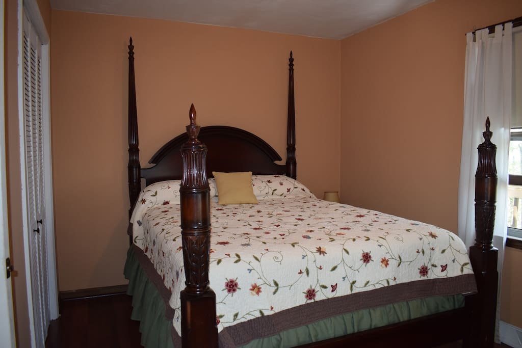 One private bedroom with Queen bed