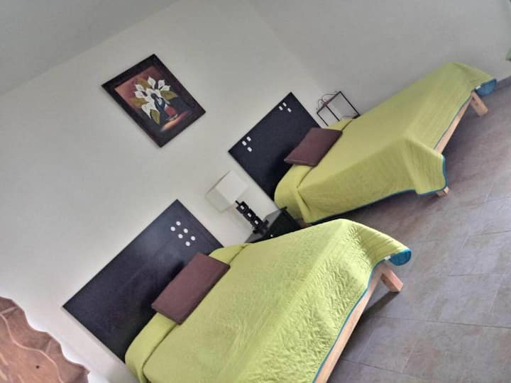 Room for four, in the heart of Gto Down Town!