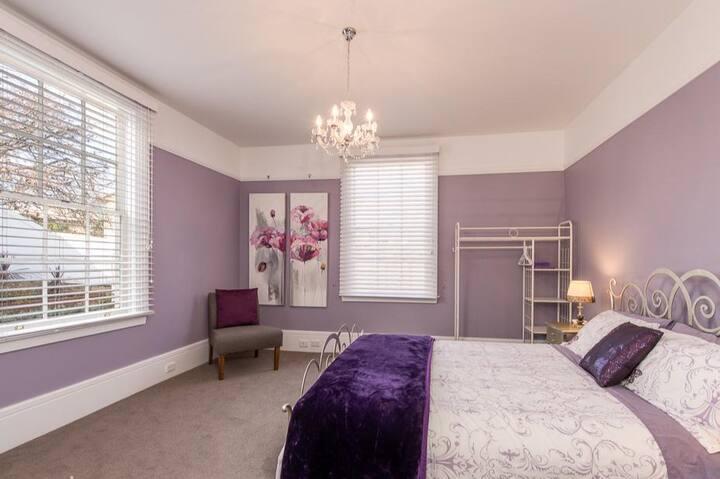 Derwent River Lodge - downstairs room