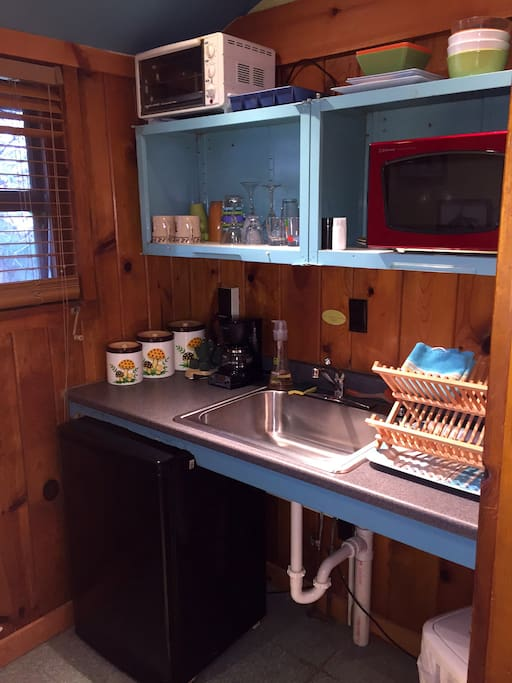 Kitchenette with wetbar in Suite 6B