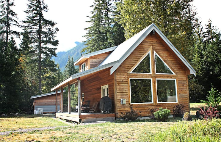 Modern Money Creek Cabin - Skykomish - Cottage