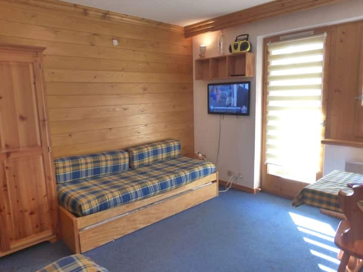 Cosy studio ski in/ ski off for 2/3 pers. in MERIBEL ALTIPORT  near to the golf court