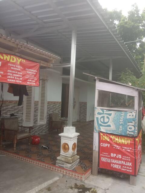 Dekat Pasar,  kantor kecamatan,  areal pertanian