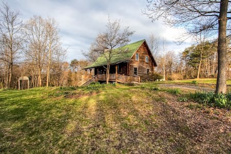 Quiet 3BR Mt. Pleasant Mills Cabin - Mount Pleasant Mills - 小木屋