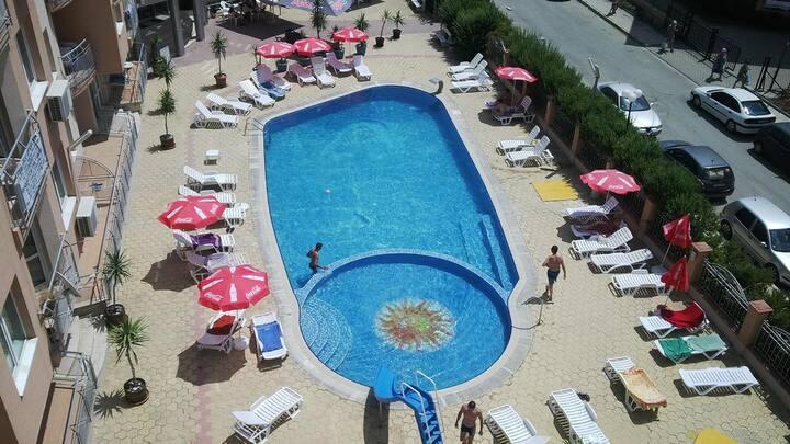 Апартамент с 2-мя спальнями на Солнечном берегу
