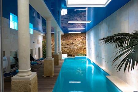Villa in Xaghra, Indoor Pool, Cinema, Wine Cellar - Xaghra - Vila