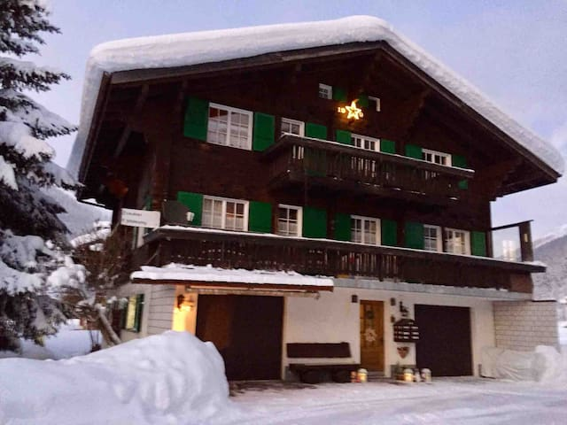 Fredy Wohnung in Swiss Walliser Chalet Obergoms