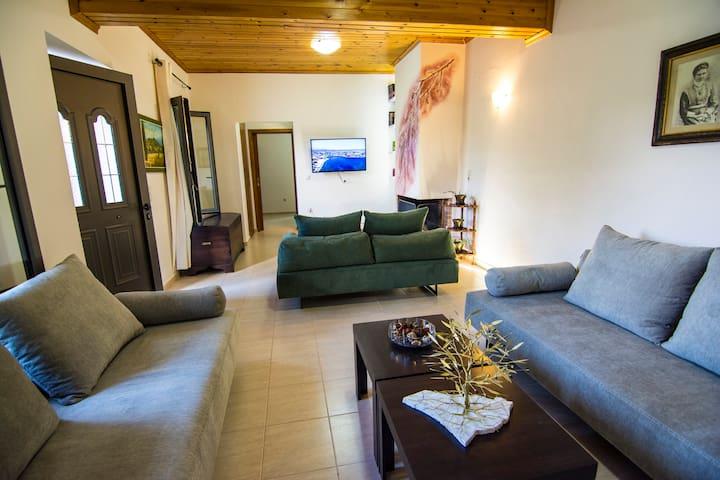 Villa Petra Mountain View
