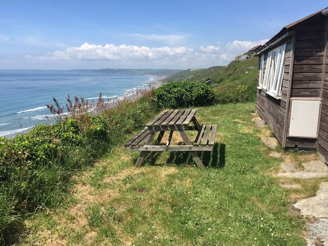Ferndale, Tregonhawke. Holiday Chalet by the sea.