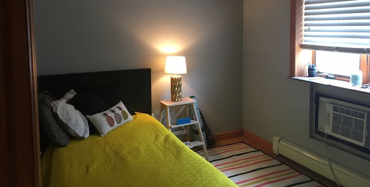 Large 1 bedroom and private bath in Astoria