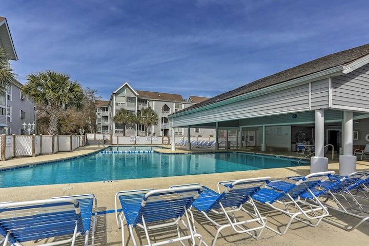 Cozy Myrtle Beach Condo w/ Pool - Walk to Beach!