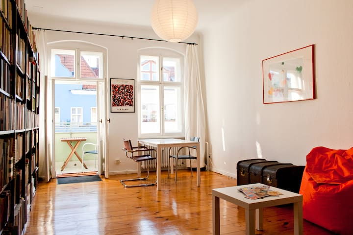 clean calm cosy central apartment  - Berlin - Daire