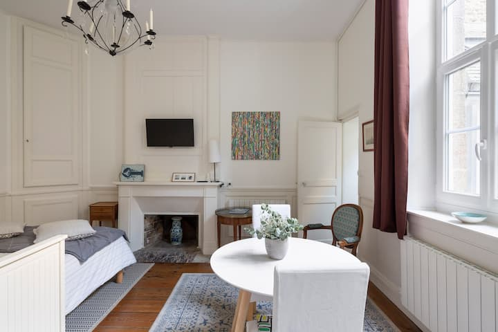 Charming flat in the heart of town