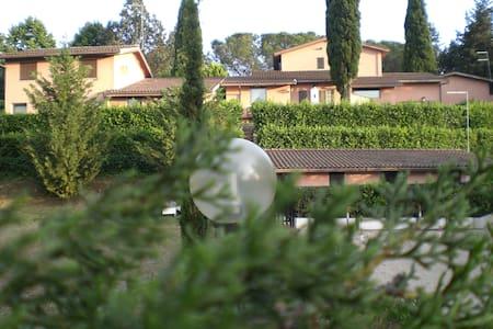 Villa Christian e Michelle N° 3 - Residenza Aurelia RM - Pis