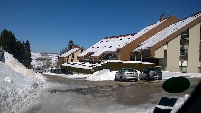 appartement aux pieds des pistes skis et VTT - Métabief - Apartament