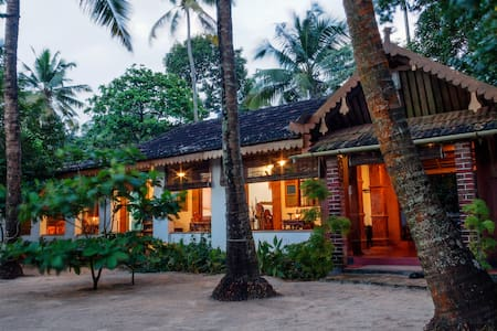 Sea Hut Homestay with Aircon.. - Kochi - Haus