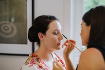 Adding the bride's final touches