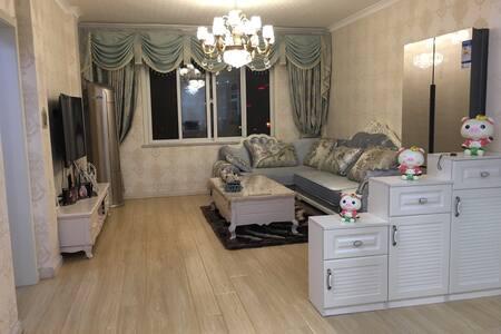 140平3室二厅二卫,房型面积大,新着装修,地址位置好,交通便利 - Suqian