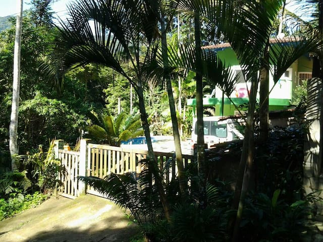 Casa com piscina Maresias na Mata Atlantica