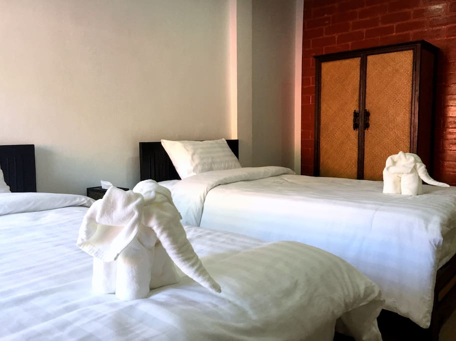 Fully refurbished clean comfortable rooms (22sqm)