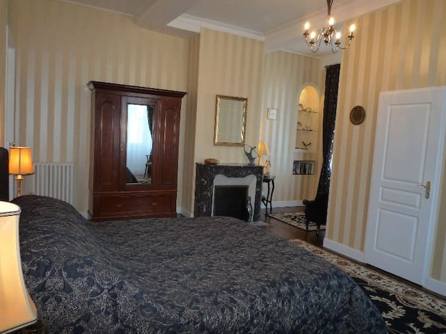 Number 10 B&B/Chambre d'hote - Saint-Goin