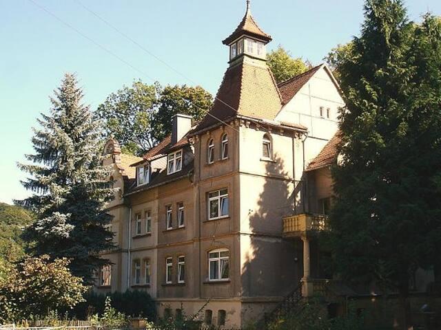 Ferienwohnung 1 in der Turmvilla - Rastenberg - Apartment