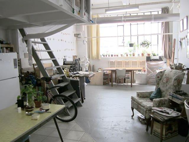 live-work artist studio