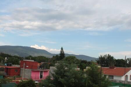Lovely, quiet roof views.Mezcal makers in LaSierra - Maison