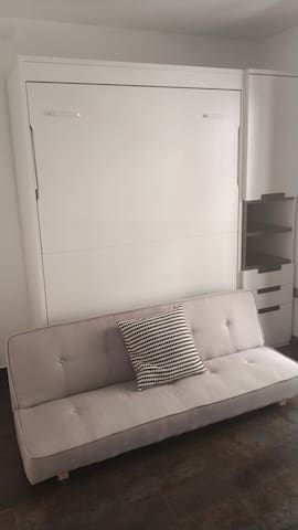 New high-quality wall bed