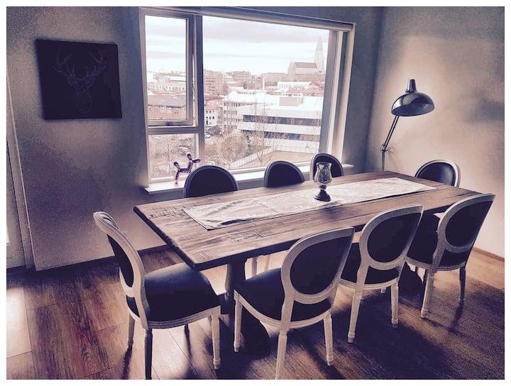 Beautiful modern 3 BDR condo in Downtown Reykjavik