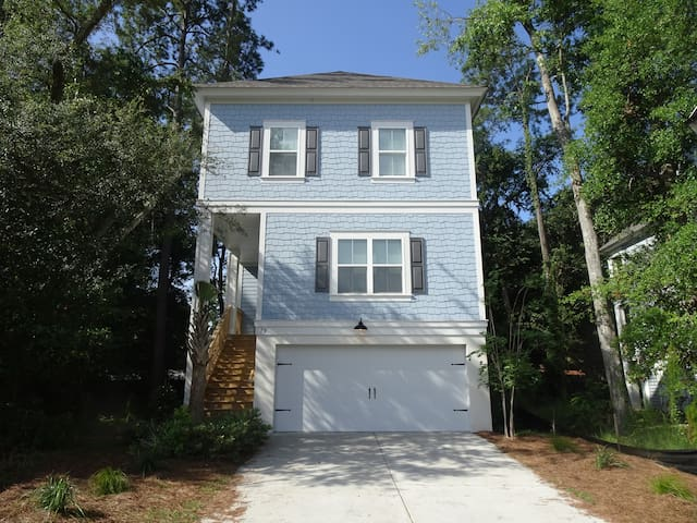(79)Beach close with Heated Screened Pool and Elev