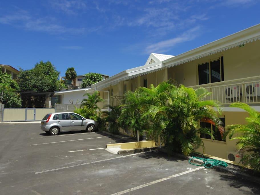 Apartment Tahiti next to the airport