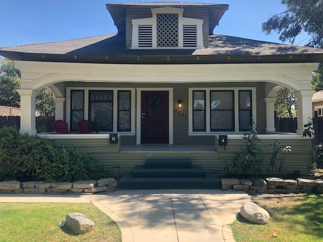 Oleander Cottage