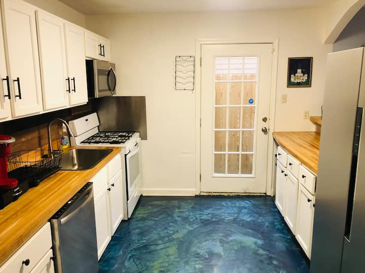 Ocean Floors with Wood Accents and Cave Showers!