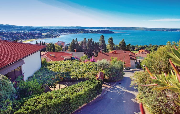 Holiday apartment with 2 bedrooms on 59m² in Portoroz