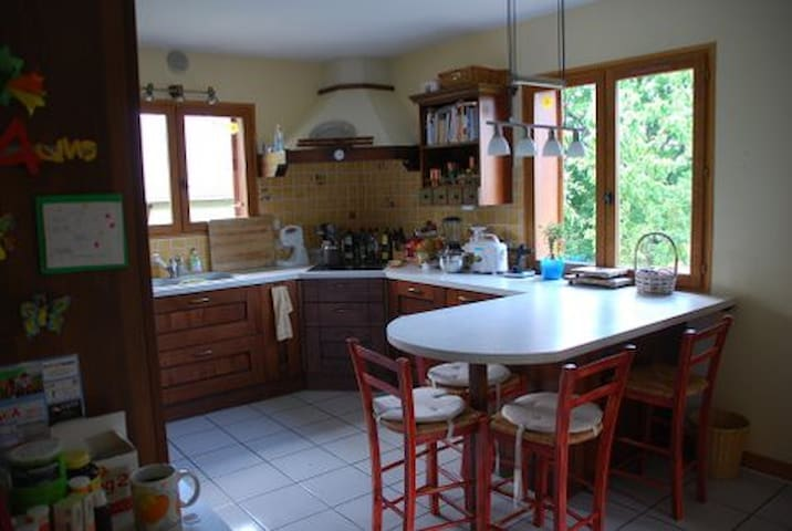 Room or rooms to rent in the Jura - Gex - Rumah