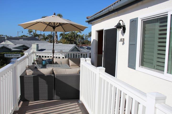 Modern Beach Community Cottage