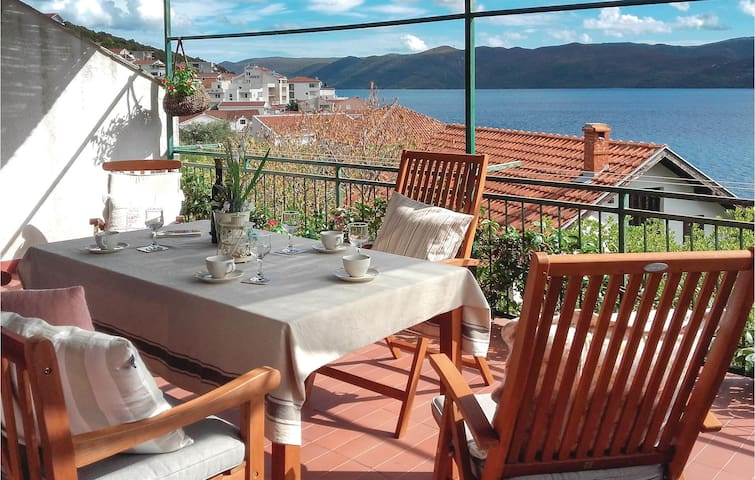 Holiday apartment with 1 bedroom on 48m² in Komarna