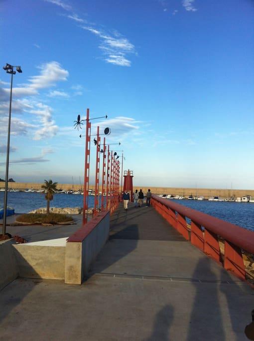Puerto de Jávea y bocana de acceso al Náutico.